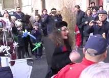 """Arriva la Befana, tanti doni per i bambini in visita alla """"Stella di Betlemme"""""""