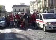 Babbi Natali in corsa per la Croce Rossa Acireale