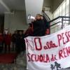 Presidio alla sede catanese della RAI contro il progetto del governo sulla scuola