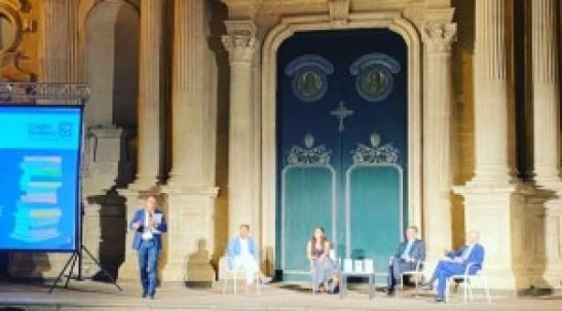 """Acireale, un successo l'esordio della rassegna culturale """"Librarci"""""""