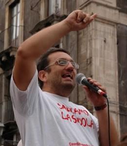 Luca Cangemi del Circolo PRC Ollga Benario contro i tagli all'integrazione scolastica dei diversamente abili