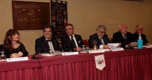 da sx al tavolo: presidente terza circoscrizione Donata Galeardi; Bianco, Spampinato, Pogliese, Garozzo, Calambrogio