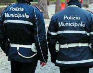 ad_acireale_multati_i_parcheggiatori_abusivi