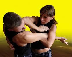 tecniche_di_difesa_ad_acireale_un_incontro_al_femminile