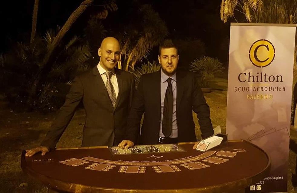 A sinistra, il direttore Sergio Gattuso.